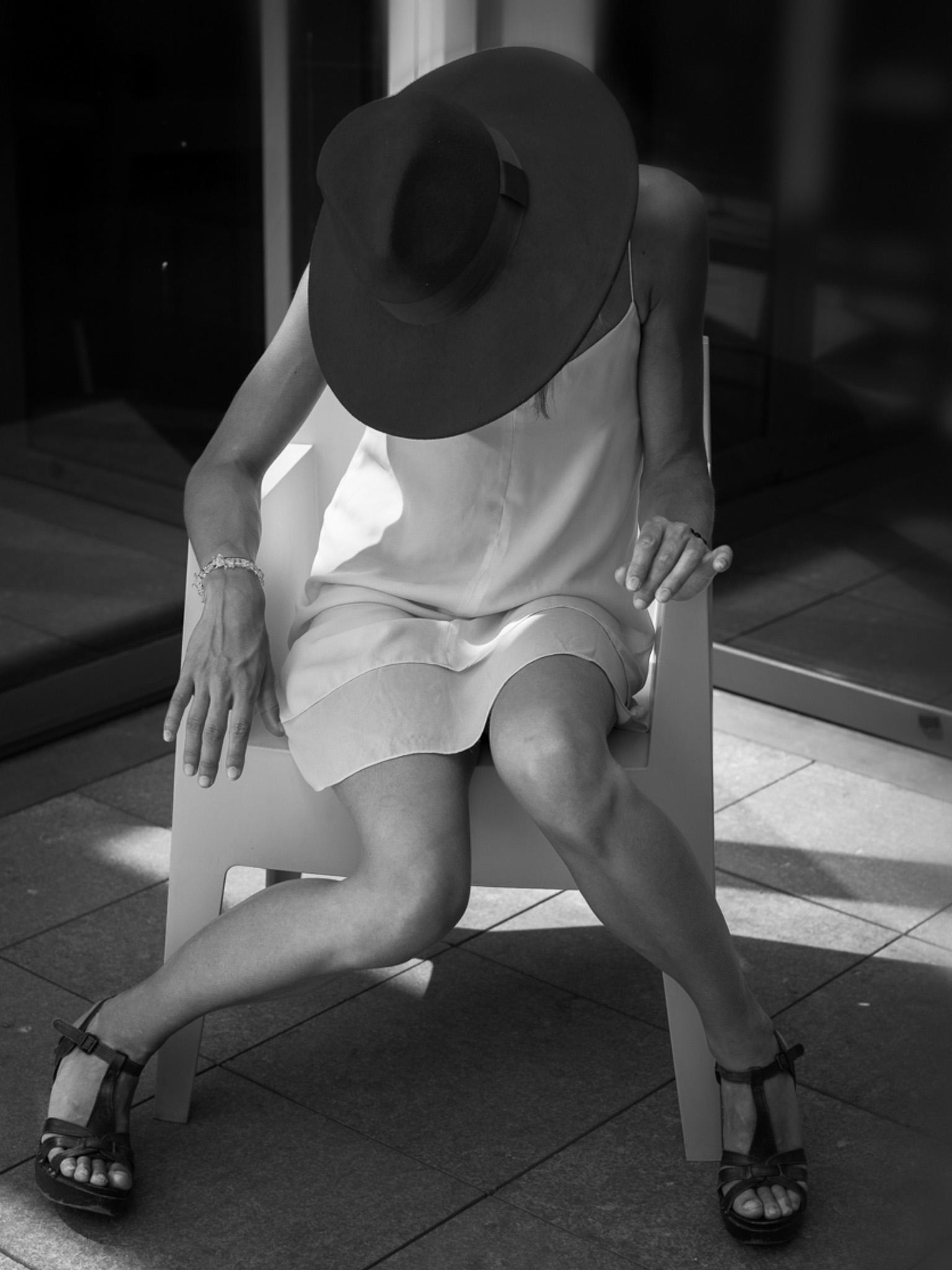 Portrait sans visage par Marc feron